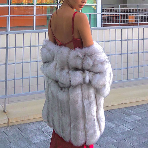 White pio fur coat